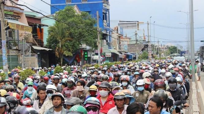 Việt Nam sẽ phải đối mặt với thách thức dồn ép về xã hôi trong trung hạn.