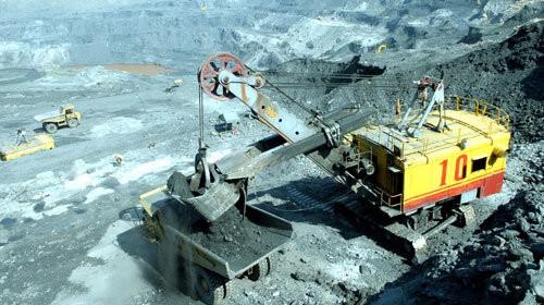 Khai thác than xuất khẩu tại Quảng Ninh