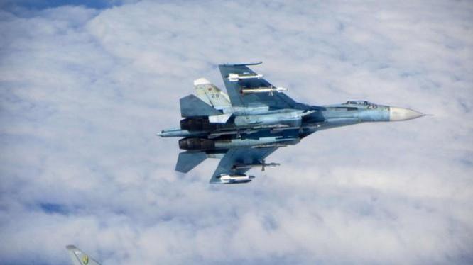 Chiến đấu cơ Su-27 của Không quân Nga - Ảnh: Reuters