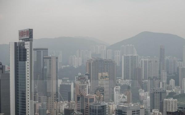Các tòa nhà cao tầng ở Hong Kong. (Nguồn: AFP-TTXVN)