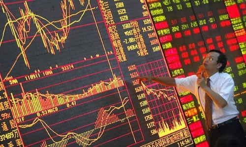 Sự hỗn loạn của thị trường chứng khoán thời gian qua là hồi chuông báo động cho nền kinh tế lớn thứ hai thế giới. Ảnh: Mxtrade