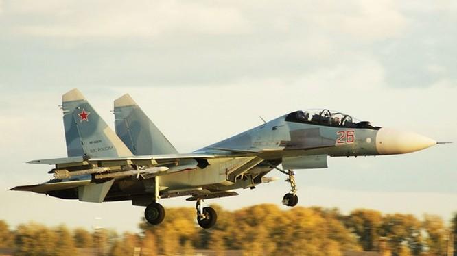 Chiếc Su-30SM có số hiệu 26 này được cho đang có mặt ở Syria cùng 3 chiếc khác - Ảnh: russianplanes.net