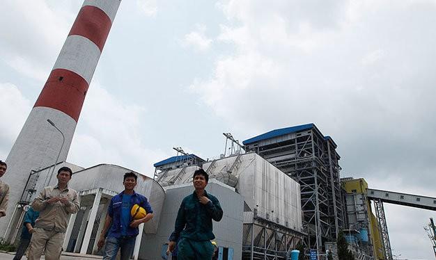 Theo tài liệu GreenID công bố, quá trình đốt than thải ra một lượng lớn các chất ô nhiễm không khí có thể lan rộng trong phạm vi hàng trăm kilomet, bao gồm các hạt vật chất, lưu huỳnh dioxit (SO2), oxit nitơ (NOx), carbon dioxit (CO2), thủy ngân và thạch
