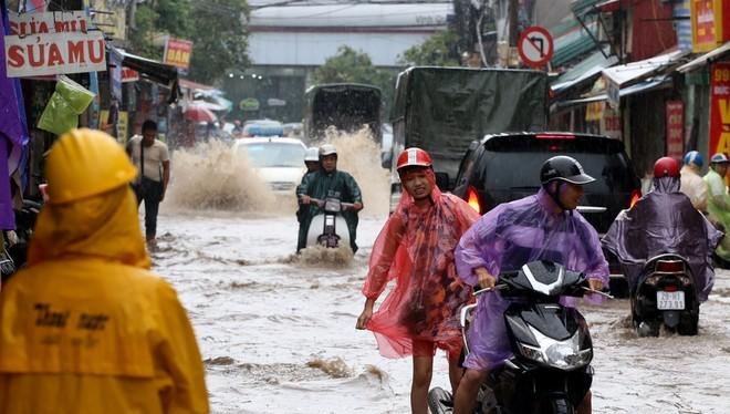 Bí thư Hà Nội giãi bày chuyện ngập úng của thủ đô