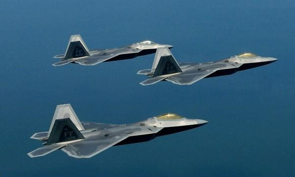 """Bí mật của F-22 sẽ bị Su-30SM của Nga """"soi"""" tại Syria?"""