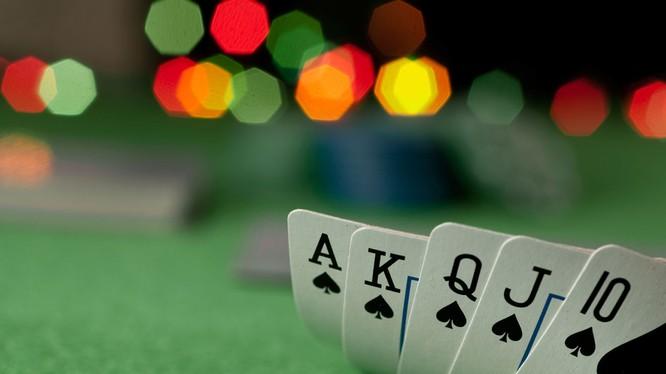 """Hơn 200 chủ lớn nắm """"thị trường"""" cờ bạc ngầm trị giá hàng tỷ USD của Việt Nam"""
