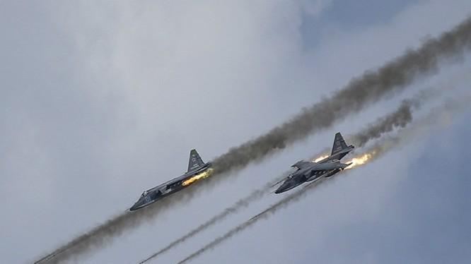 Phe nổi dậy tại Syria kêu gọi Mỹ gửi tên lửa để chống máy bay Nga - Ảnh: Reuters