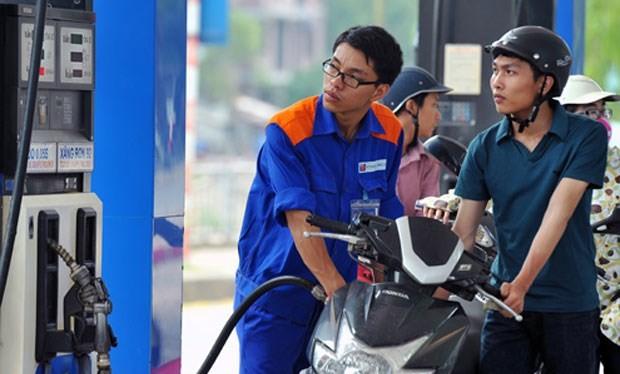 Thu thuế bảo vệ môi trường từ xăng dầu tăng vọt