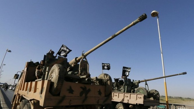 Nga đã không kích và tiêu diệt 20 xe tăng của IS tại tỉnh Homs, Syria ngày 5.10 - Ảnh: Reuters