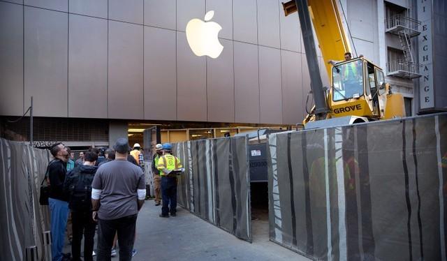 """Apple """"né"""" nộp 59,2 tỷ USD thuế nhờ cất tiền mặt ở nước ngoài"""