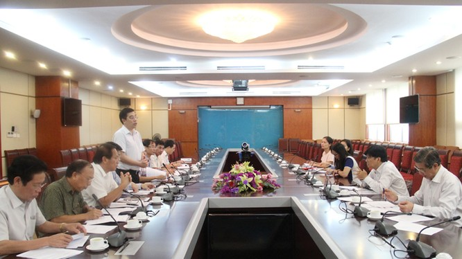 Bộ TT&TT làm việc với UBND TP.Hồ Chí Minh về phương án sắp xếp báo chí