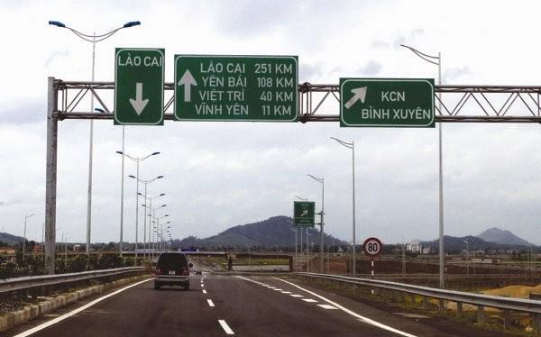 Cao tốc Nội Bài - Lào Cai có mức phí 1.000 đồng/ki lô mét. Ảnh: TUỆ DOANH