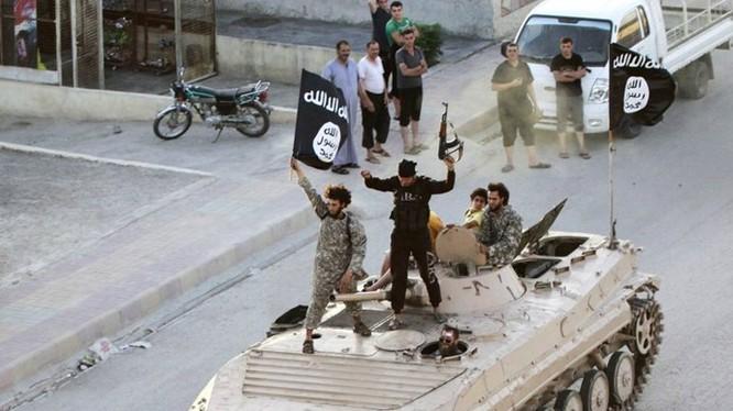 Hãng tin Sputnik xác nhận thủ lĩnh Abu Bakr al-Baghdadi của IS đã bị thương sau cuộc không kích của quân đội Iraq ngày 11.10 - Ảnh: Reuters
