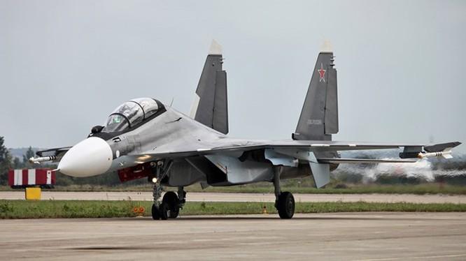Những chiếc Su-30SM sẽ làm nhiệm vụ hộ tống cho máy bay Nga thực hiện không kích tại Syria - Ảnh: Reuters