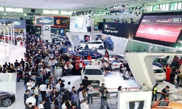 Đại gia Hà Thành chi tiền sắm 200 ôtô sang chỉ trong 5 ngày