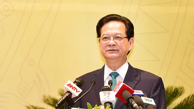 Thủ tướng Nguyễn Tấn Dũng yêu cầu phải xây dựng lực lượng CAND thật sự trong sạch vững mạnh về mọi mặt, gắn bó máu thịt với nhân dân, hoàn thành xuất sắc chức năng, nhiệm vụ mà Đảng, Nhà nước và Nhân dân tin cậy, giao phó. Ảnh: VGP/Nhật Bắc.