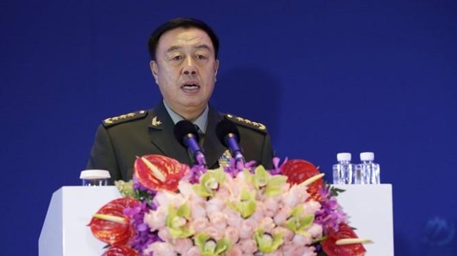 Phó chủ tịch quân ủy trung ương Trung Quốc, ông Phạm Trường Long phát biểu tại diễn đàn an ninh Xiangshan tại thủ đô Bắc Kinh (Trung Quốc) ngày 17.10.2015 - Ảnh: Reuters