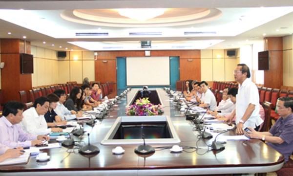 Thứ trưởng Trương Minh Tuấn làm việc với UBND TP Hà Nội về phương án sắp xếp báo chí trên đại bàn thủ đô (Ảnh: VNN)