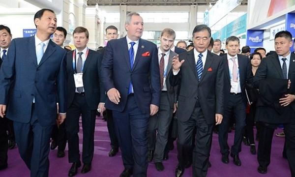 """Phớt lờ Mỹ, Nga, Trung Quốc """"bắt tay"""" phát triển thị trường hạt nhân toàn cầu"""