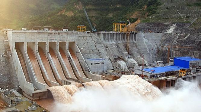 Thiết kế hồ chứa các công trình thủy điện VN trên sông Đà có tính đến phương án thượng lưu xả lũ đồng loạt - Ảnh: Hồng Anh