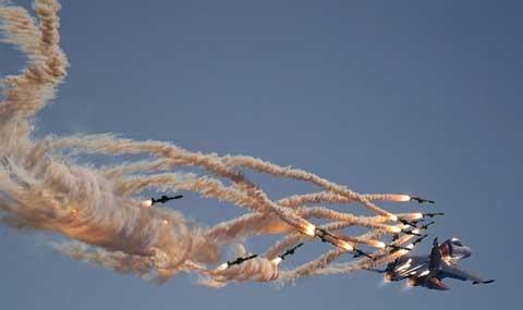 Không phận Syria dày đặc máy bay
