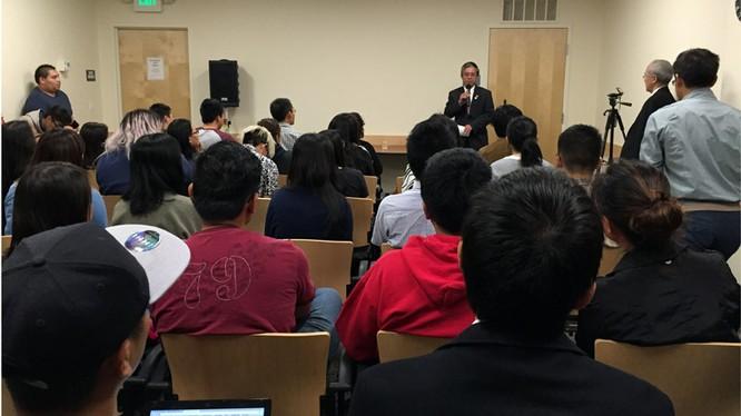 Lần đầu tiên một Đại sứ VN tới thăm một trường đại học ở California