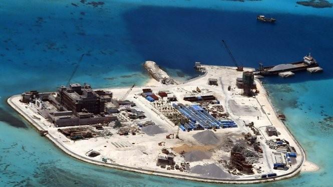 Đảo nhân tạo của Trung Quốc đang đe dọa tự do hàng hải và ổn định trên biển Đông - Ảnh: CSIS