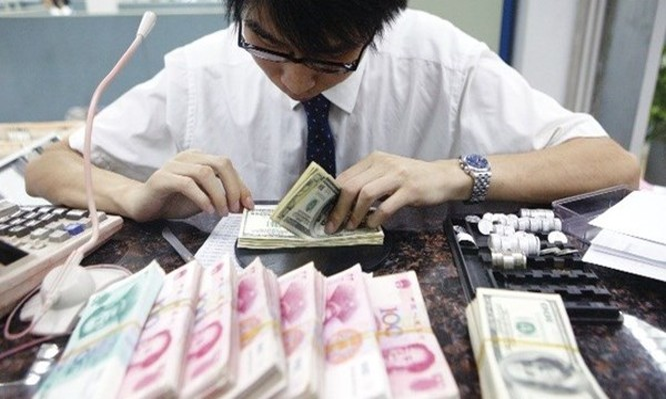 Trung Quốc đang rơi vào tình trạng 'chảy máu' tiền tệ