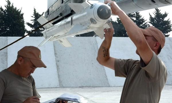 Kỹ thuật viên quân sự Nga ở căn cứ