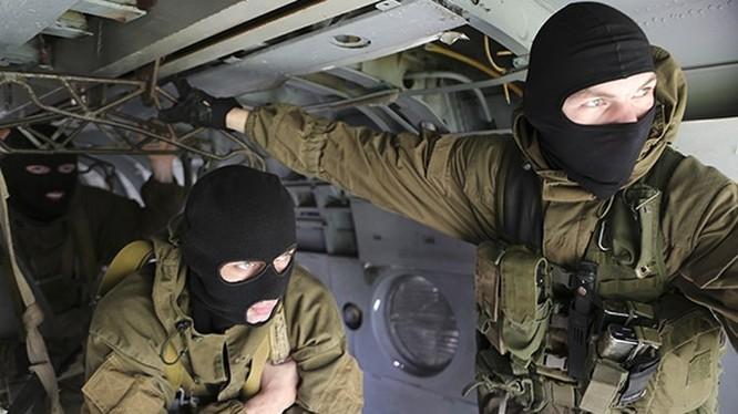 Zaslon là lực lượng đặc biệt của Spetsnaz chuyên hoạt động ở nước ngoài, bảo vệ sứ quán, các cơ sở ngoại giao, bảo vệ an ninh cho lãnh đạo và công dân Nga ở nước ngoài, giải cứu con tin - Ảnh: Protect Russia