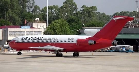 Chiếc máy bay Boeing bị bỏ ở sân bay Nội Bài