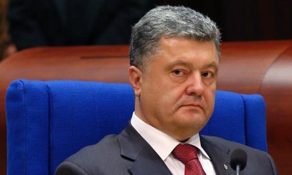 """Bầu cử địa phương hôm 25.10 là """"liều thuốc thử"""" với ông Poroshenko"""