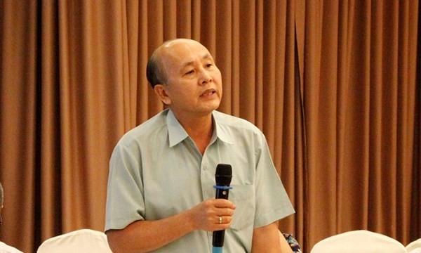 Đại tá Hoàng Văn Trực cho biết việc làm giả hàng hóa tại VN rất nhiều- Ảnh: Lê Đình Dũng.