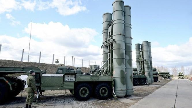 Trung Quốc sẽ sớm nhận từ Nga các hệ thống tên lửa phòng không hiện đại S-400 - Ảnh: RIA