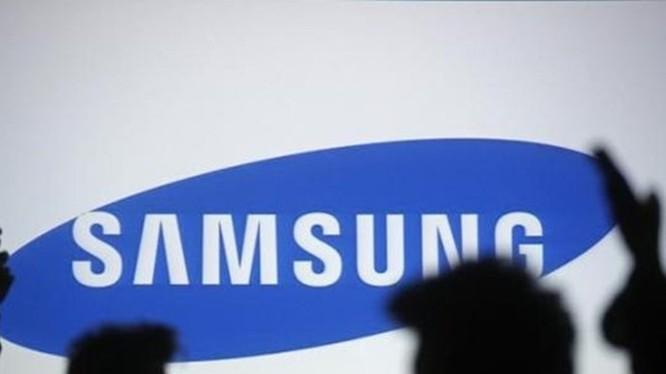Doanh thu từ điện thoại của Samsung vẫn chưa cao, nhưng công nghệ chip bán dẫn lại mang đến lợi nhuận khổng lồ cho họ - Ảnh: Reuters