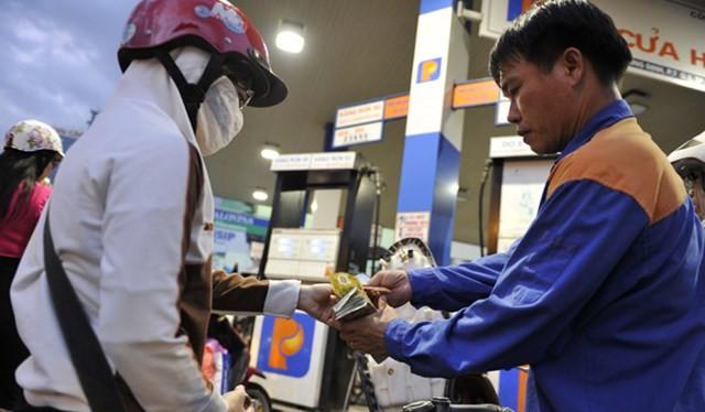 Giá xăng có thể giảm 500 - 600 đồng/lít