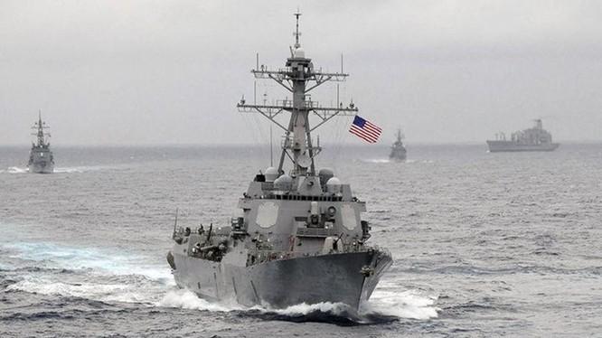 Nhiều chi tiết mới được tiết lộ quanh cách ứng xử của tàu hai nước trong cuộc nói chuyện giữa Tư lệnh Hải quân Mỹ và Trung Quốc vừa qua - Ảnh: Reuters