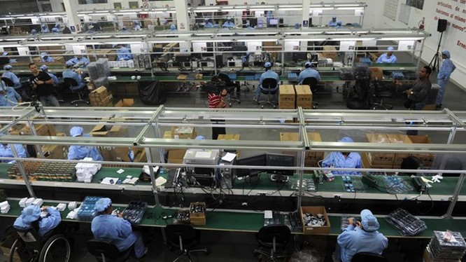 Trung Quốc là một trong những thị trường có chi phí lao động phổ thông rẻ nhất - Ảnh: AFP