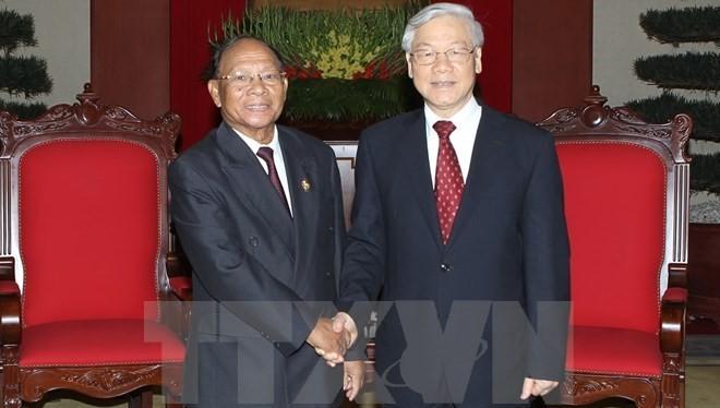 Tổng Bí thư Nguyễn Phú Trọng tiếp Chủ tịch Quốc hội Vương quốc Campuchia Heng Samrin sang dự IPU-132 tại Việt Nam. (Ảnh: Trí Dũng/TTXVN)