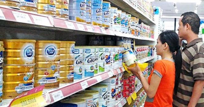 Gia nhập TPP, người tiêu dùng kỳ vọng giá sữa trong nước sẽ giảm.