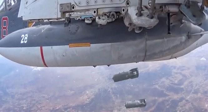Chiến đấu cơ Nga tấn công các mục tiêu khủng bố - Ảnh: Sputnik