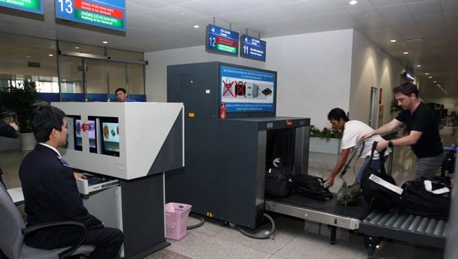 Đề nghị soi chiếu ngẫu nhiên hành lý khách quốc tế qua Tân Sơn Nhất