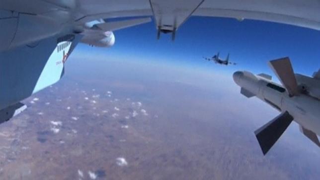 Ảnh chụp từ một máy bay chiến đấu của Nga - Ảnh: Reuters