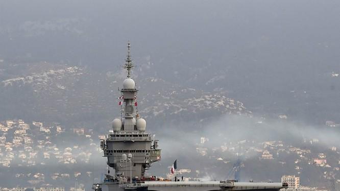 Tàu sân bay Charles de Gaulle tại cảng Toulon của Pháp - Ảnh: AFP