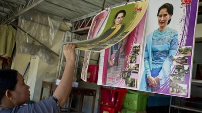 Đảng NLD của bà Aung San Suu Kyi đã giành đủ số ghế cần thiết trong quốc hội để thành lập chính phủ mới ở Myanmar - Ảnh: AFP