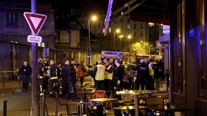 Một nhà hàng Việt Nam bị tấn công trong vụ khủng bố ở Paris, 14 người chết.