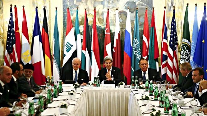 Ngoại trưởng các nước sắp đặt tương lai cho Syria bằng chính phủ chuyển tiếp - Ảnh: Reuters