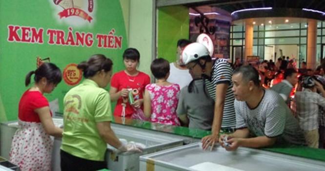 """Nếu xét theo hợp đồng, Kem Tràng Tiền đã được """"trả về"""" cho ông Hà Trọng Nam."""