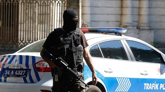 Cảnh sát Thổ Nhĩ Kỳ hôm 13-11 bắt giữ 5 nghi phạm tấn công khủng bố tại Istanbul. Ảnh: REUTERS