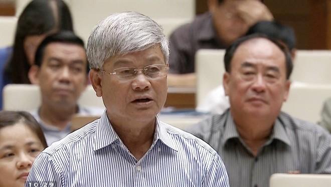 Đại biểu Nguyễn Anh Sơn (Nam Định) chất vấn về Biển Đông tại Quốc hội sáng 16/11.